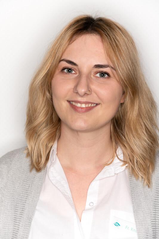 Orthoptistin Larissa Kneidl